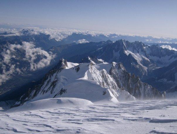 Aiguille du Midi e il Maudit dalla vetta del Bianco