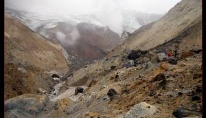 05_Nel cratere del vulcano Mutnovsky